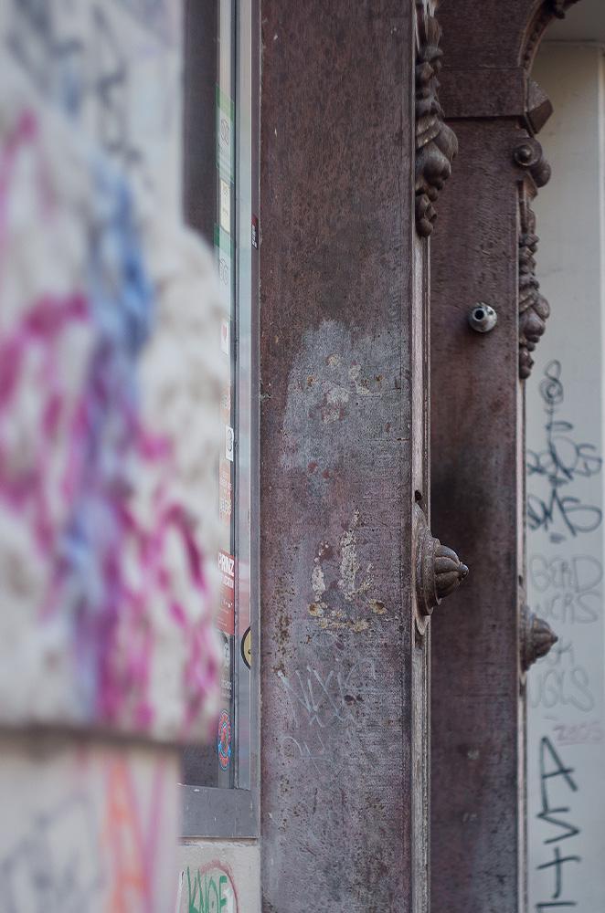 140601_Säulen_StreetArt